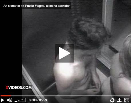 As câmeras do prédio flagram sexo no elevador