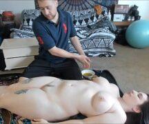 Branquinha safada fodendo com seu massagista acabou caindo no xvideos